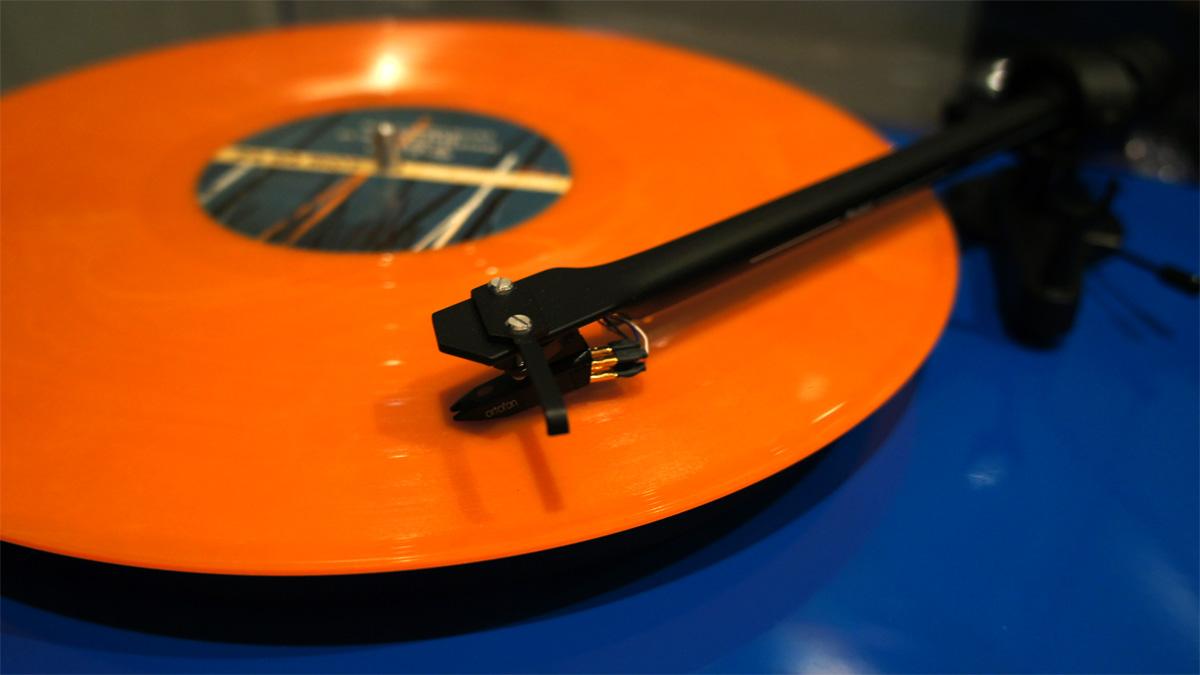 37104-vinyl1