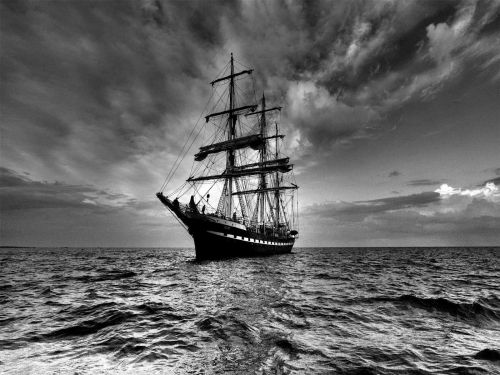 black_and_white_sailboat